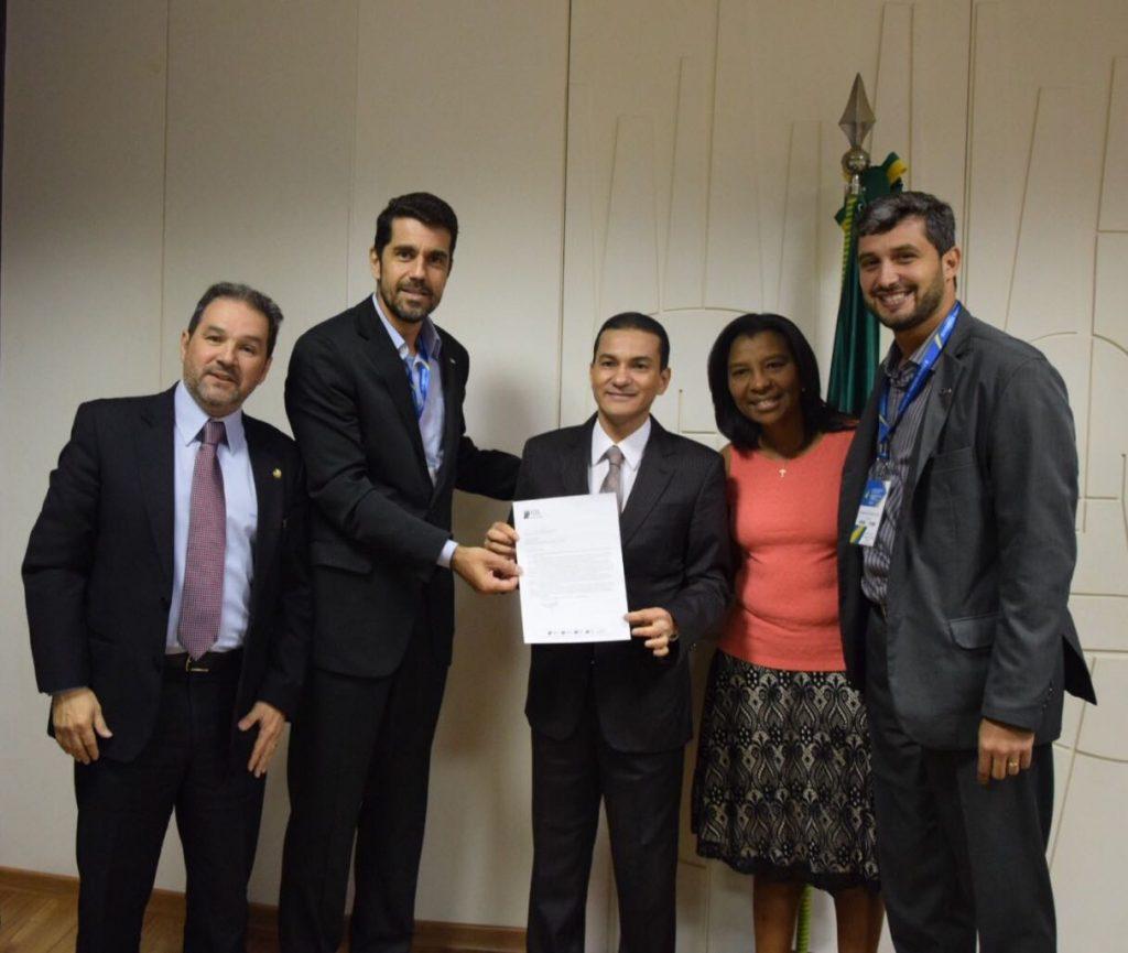 FCDL/RJ apresenta necessidade de programa para optantes pelo Simples com ministro Marcos Pereira